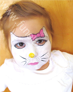 face_painting_Hello_Kitty_pink_bow