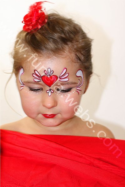 face_painting_girl_design_be_my_valentine
