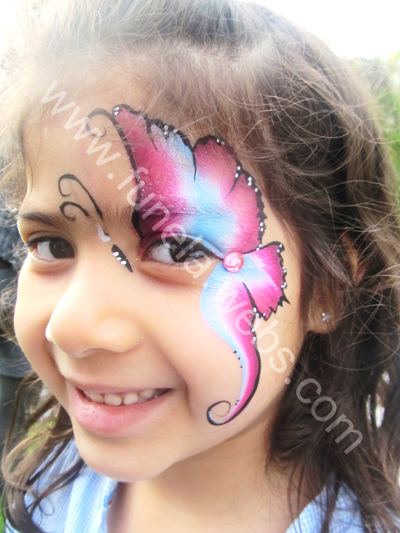 face_painting_girl_design_pink_blue_white_butterfly