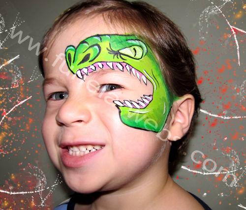 face_painting_green_dragon_around_eye